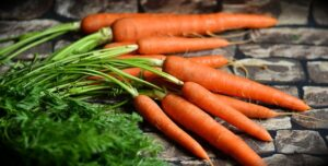carrots with tops on
